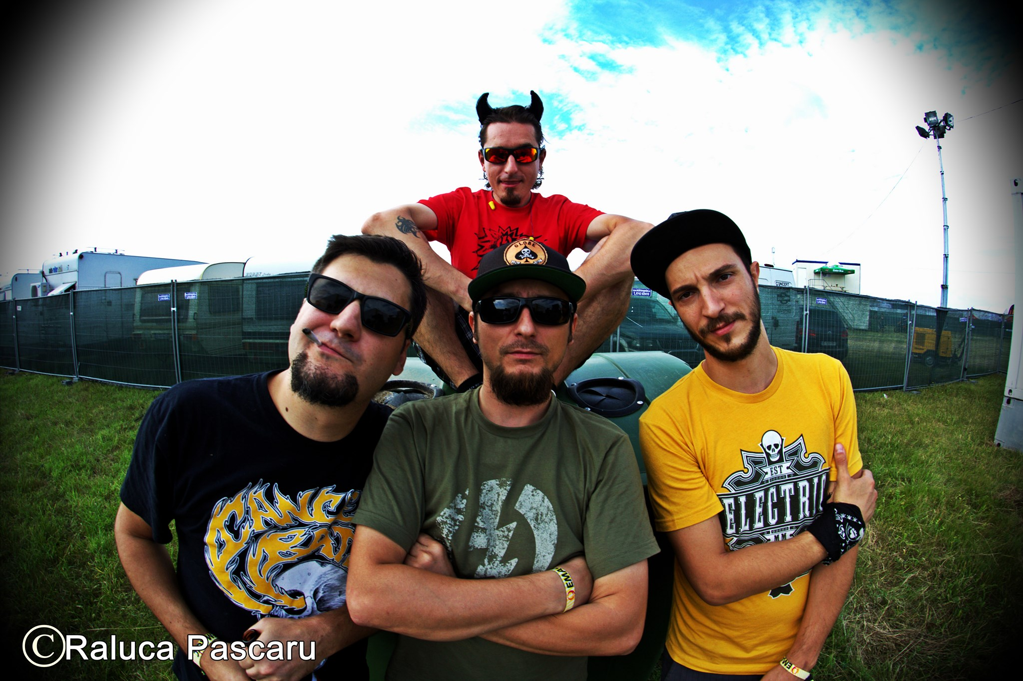 Niste Baieti + special guests live at club B52